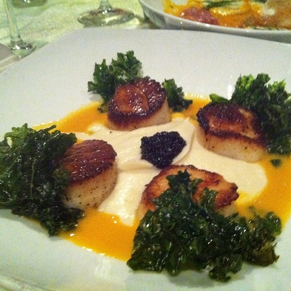 Seared Scallops With Fried Kale And Cauiflower Puree - Log Haven, Salt Lake City, UT