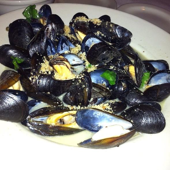 Mussels Alla Trota - Botticelli's, Austin, TX