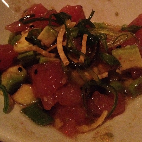 Tuna Sashimi And Avocado Salad - Red Rocks Cafe - Birkdale Village, Huntersville, NC