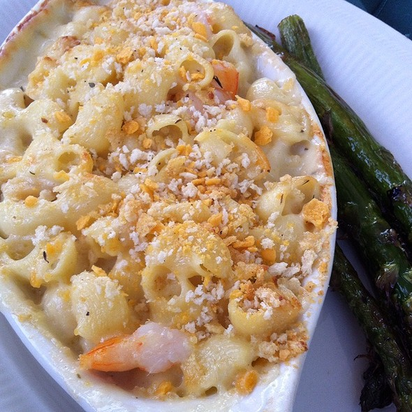 Shrimp And Scallop Mac And Cheese With Lemom Grilled Asparagus - Timmer's Resort, West Bend, WI