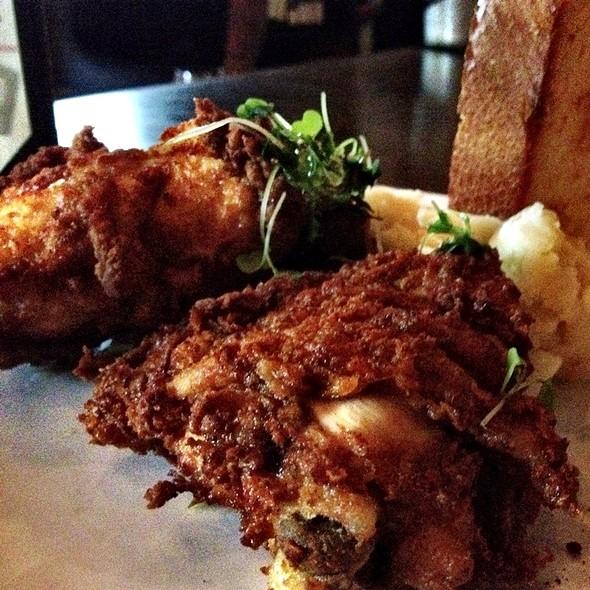 fried chicken - MAX's Wine Dive Houston - Washington Ave., Houston, TX