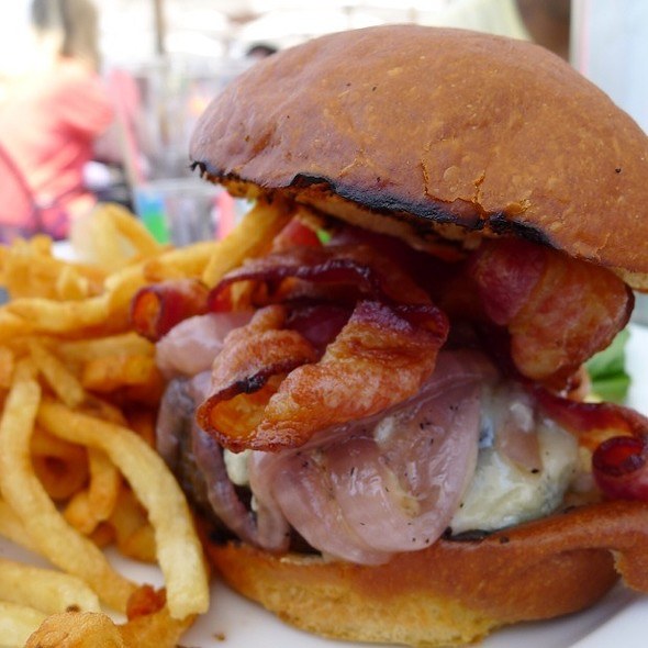Bacon burger - Red Hat on the River, Irvington, NY