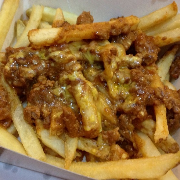 Top Engine 2 Recipes Chili Cheeze Fries: Beef Chili Cheese Fries