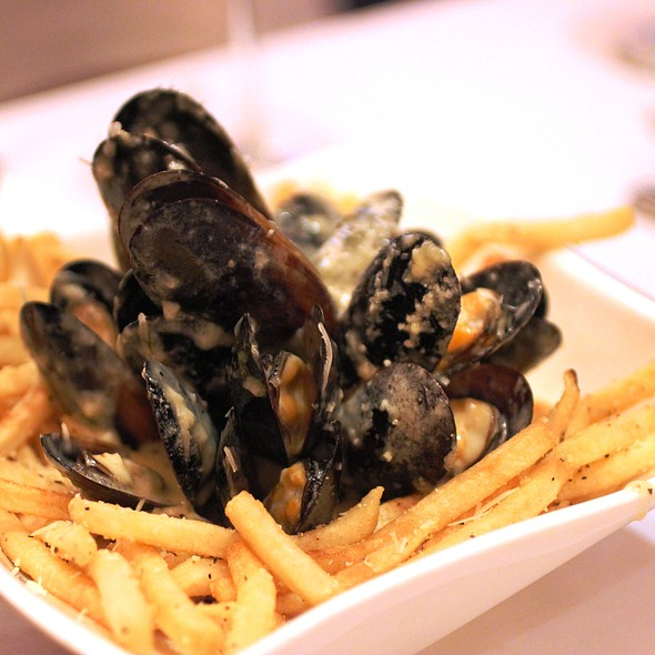 SuperNoah's Mussels & Fries   - della Voce, Manhattan, KS