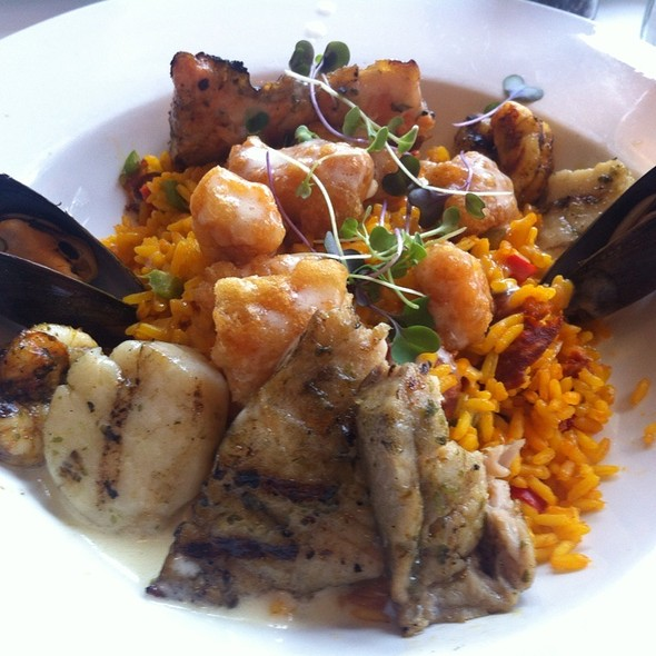 Seafood Paella - Artista, Houston, TX