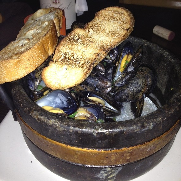 Mussels (Appetizer) - Fifth Season, Port Jefferson, NY