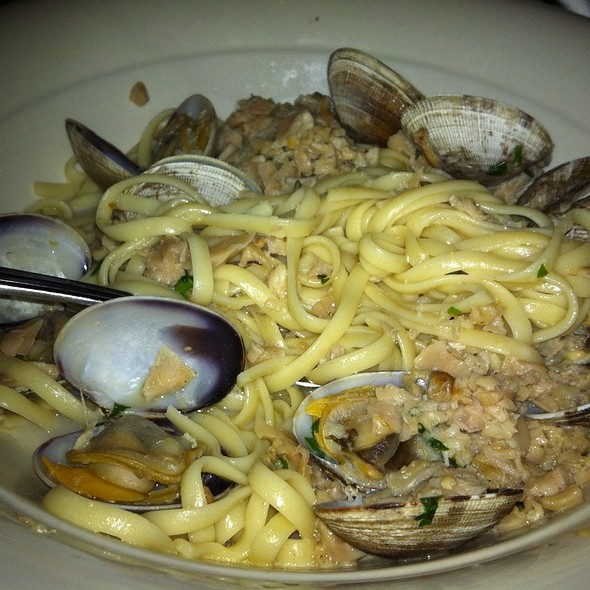 Linguine With Clams - Maggiano's - Las Vegas, Las Vegas, NV