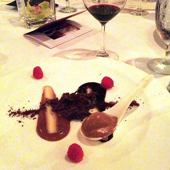 Purple Parrot Seafood and Steaks Restaurant - Hattiesburg, MS ...