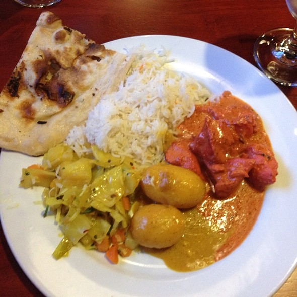 Indian Buffet - Royal India, Austin, TX