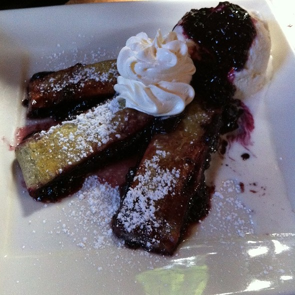 Oregon Berry Strudel - Stone Cliff Inn, Carver, OR