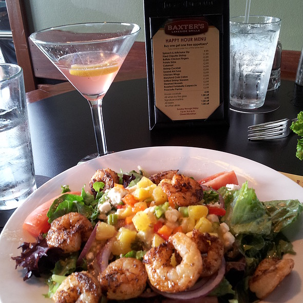 Blackened Shrimp Salad - Baxter's Lakeside Grille, Lake Ozark, MO