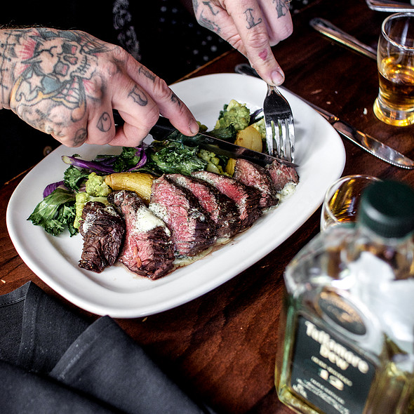 Hangar Steak - de Vere's Irish Pub - Sacramento, Sacramento, CA