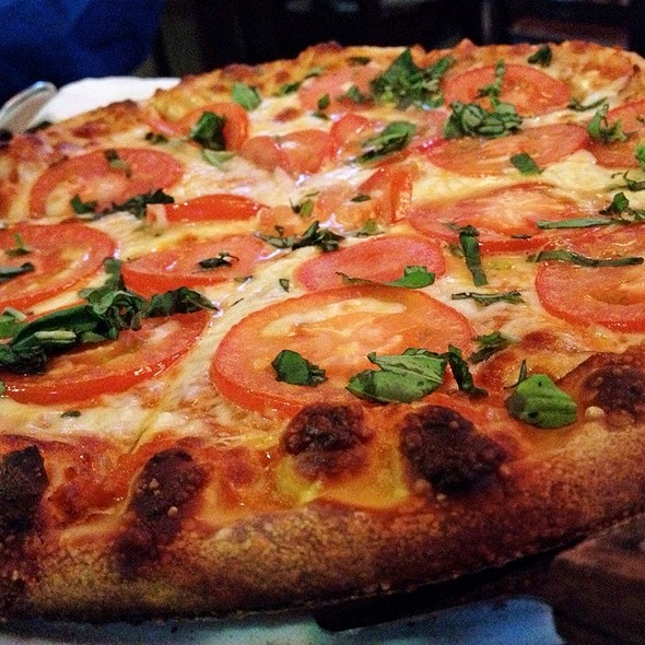 Margherita Pizza - Clubhouse 66, Glendora, CA