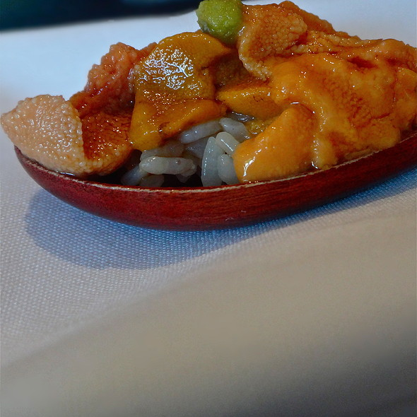 Kaisui Uni Sushi <Seasonal>/ Deep Sea Ocean Packed Sea Urchin/ Hokkaido - Sushi Ran, Sausalito, CA