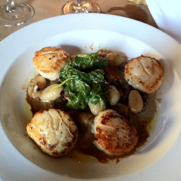Maine Scallops - Drew's on Halsted, Chicago, IL