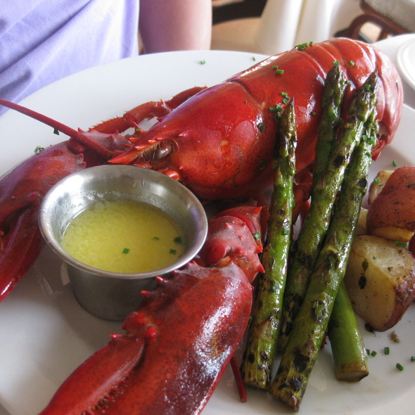 Whole Maine Lobster - 95 Ocean At The Nonantum Resort, Kennebunkport, ME
