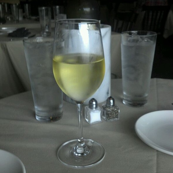 Conundrum White Wine - Gary's on Spring, Louisville, KY
