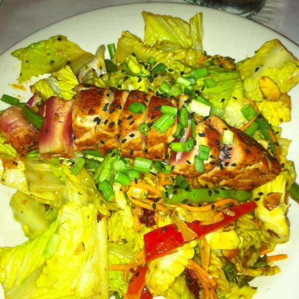Blackened Ahi Salad - Daily Grill - Seattle Sheraton, Seattle, WA