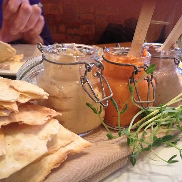 Hummus Dip Trio - Morris Tap and Grill, Randolph, NJ