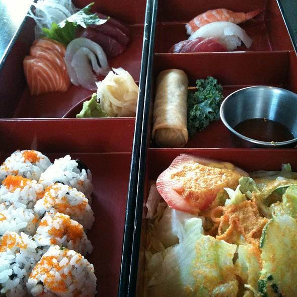 Sushi And Sashimi Lunch Combo - Gekko Sushi - Atlanta, Atlanta, GA