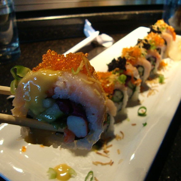 Orange Crush Roll - first bite - Japonessa Sushi Cocina, Seattle, WA