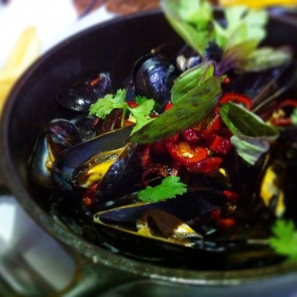 Carlsbad Mussels With Thai Basil, Coconut, Chilies, Lemongrass - Brooklyn Girl Eatery, San Diego, CA