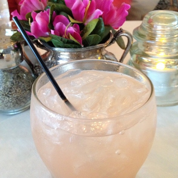 Gin & Fresh-Squeezed Grapefruit - Coles 735 Main, Lexington, KY