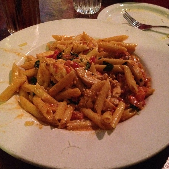 The bent noodle italian restaurant and catering company for Aurora italian cuisine