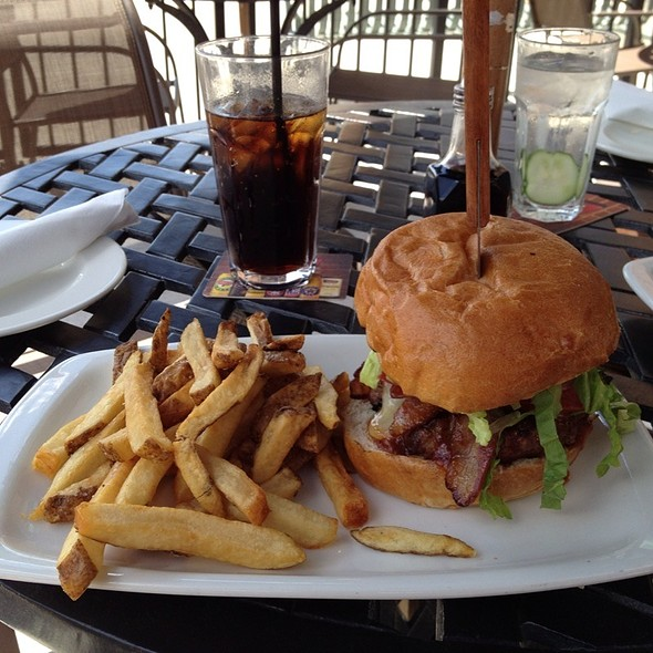 Old Smokey Burger - Borealis Grille & Bar - Kitchener, Kitchener, ON