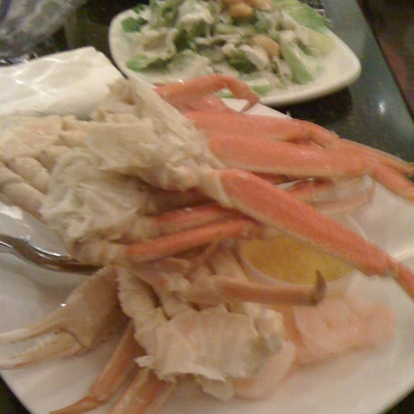 Crab Legs - Charlie Gitto's at Hollywood Casino, Maryland Heights, MO