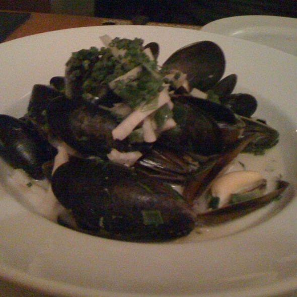 Mussels Bretagne - New Well Tavern, Richmond, BC