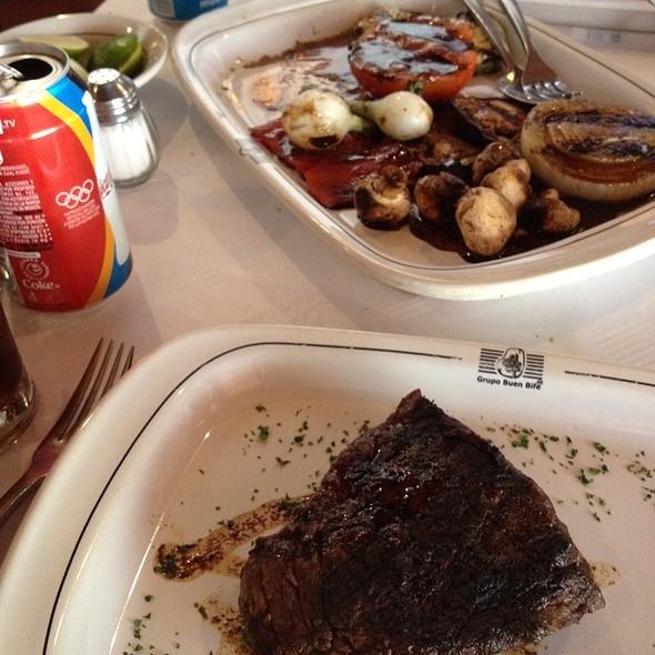 Vacio Steak - El Buen Bife Steakhouse - Av. Insurgentes, México, CDMX