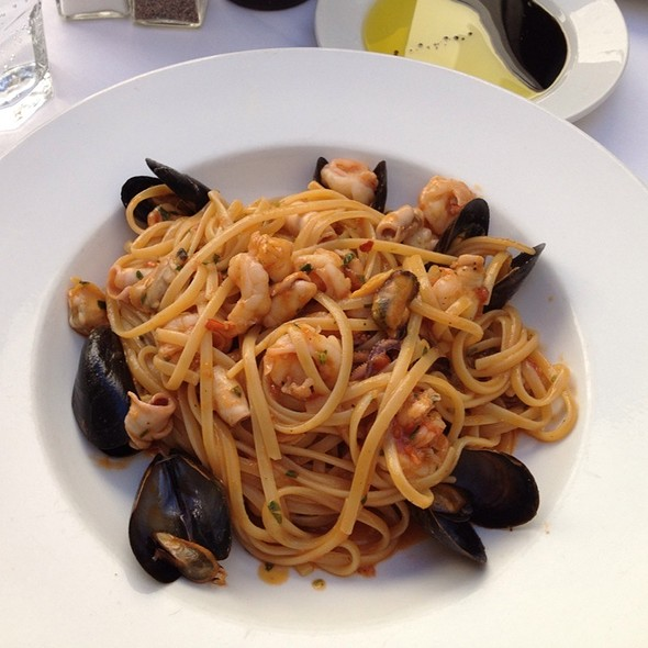 Spicy Seafood Pasta - Caffe Roma, Beverly Hills, CA