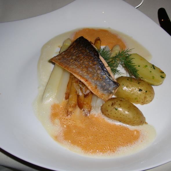 Speckled Trout, Asparagus - Palace St. George - Gourmetrestaurant, Mönchengladbach, NW