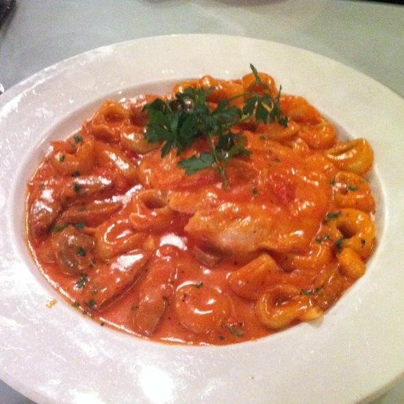 Ricotta Tortellini with Half Chicken Breast - Colombo's Italian Steakhouse & Jazz Club, Eagle Rock, CA