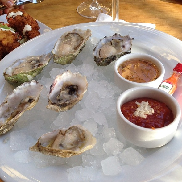 Boathouse Kiss & Miyagi Oysters - The Boathouse at Kits Beach, Vancouver, BC