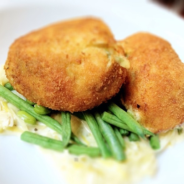 Smoked Haddock And Salmon Fishcake - The North London Tavern, London