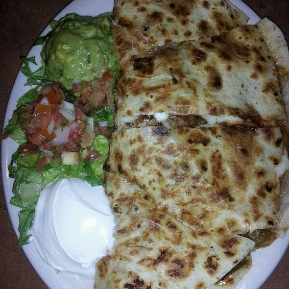 Pulled chicken quesadilla - Chuck's Southern Comforts Cafe - Burbank, Burbank, IL