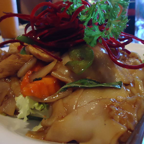 Drunken Noodles with Shrimp - Star Anise, Livermore, CA