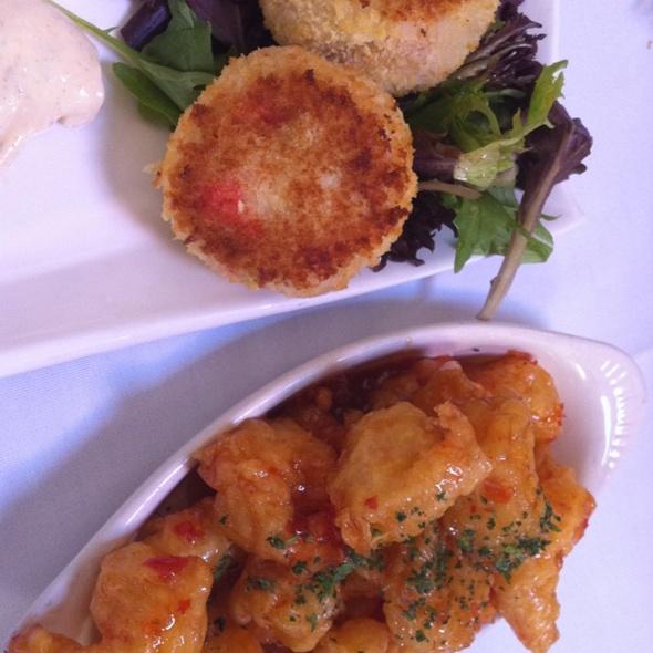 Crab Cakes & Spicy Crunchy Shrimp - Vintage Cafe, Whittier, CA