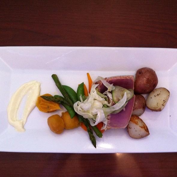 Ahi tuna - Blue Crab Seafood House - Coast Victoria Hotel & Marina by APA, Victoria, BC