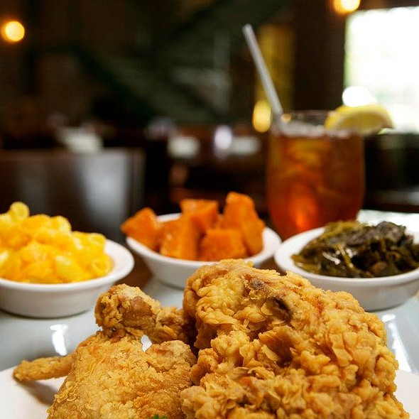 fried chicken - Paschal's Restaurant, Atlanta, GA