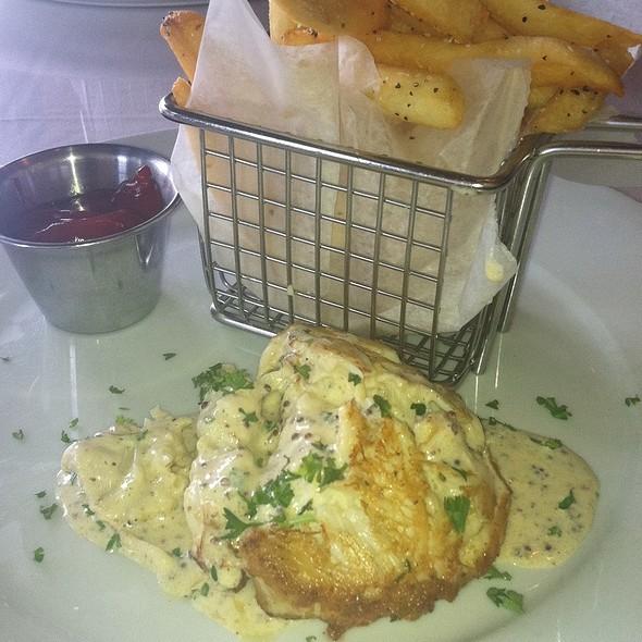 Jumbo Lump Crab Cake - Brooklyn Cafe, Sandy Springs, GA