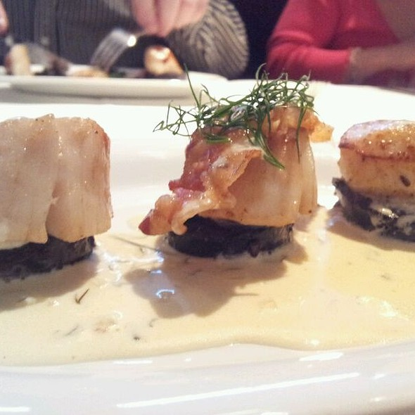 Pan Seared King Scallops With Bury Black Pudding, Crispy Pancetta And A Lemon And Dill Cream Sauce - Albert's Shed, Manchester