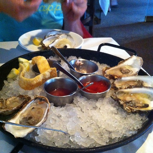 Pei Blackberry Oysters - Splash Seafood Bar and Grill, Des Moines, IA
