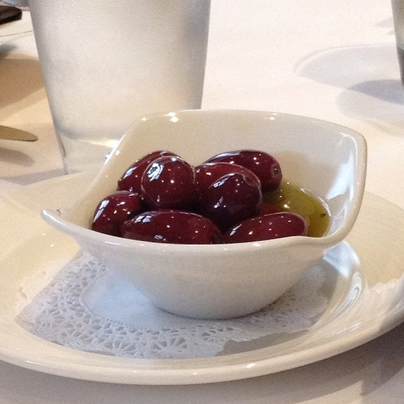 Olives - Lithos Estiatorio, Livingston, NJ