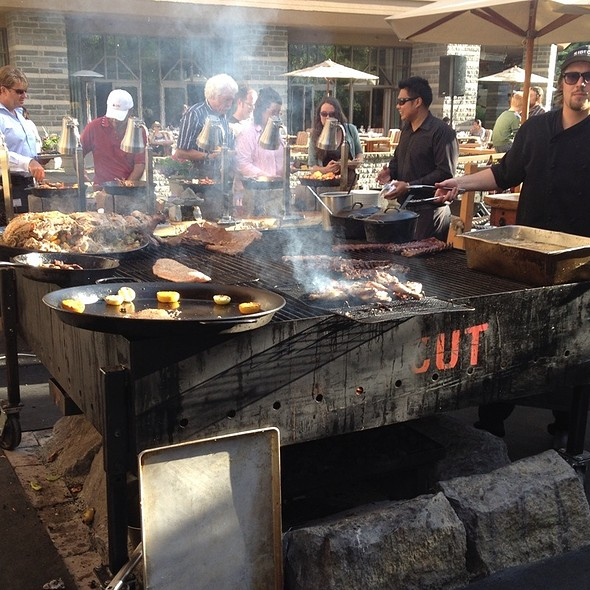 Bbq On Thursdays - Sidecut Modern Steak + Bar – Four Seasons Resort, Whistler, BC