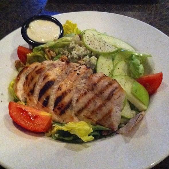 Waldorf Salad - Blue Prynt Restaurant & Bar, Sacramento, CA