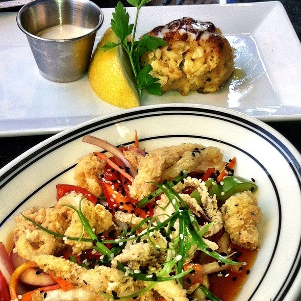Calamari And The Famous Crab Cake. - Oceanaire Seafood Room - Minneapolis, Minneapolis, MN