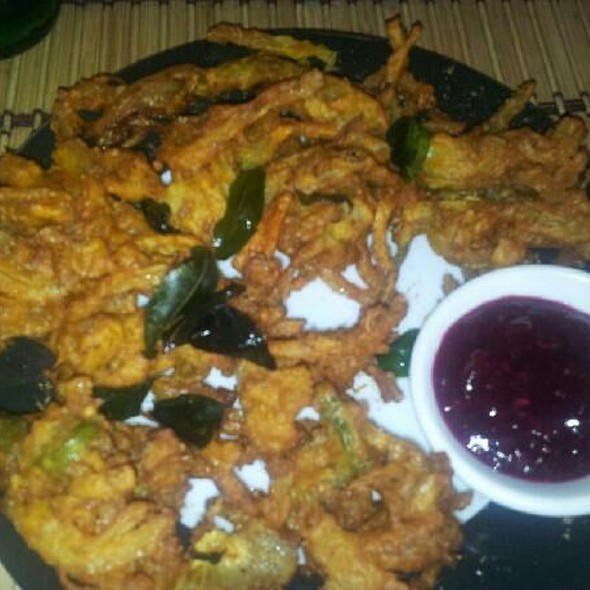Veggie Pakoras - 630 Maroli Indian Kerala Restaurant, Toronto, ON